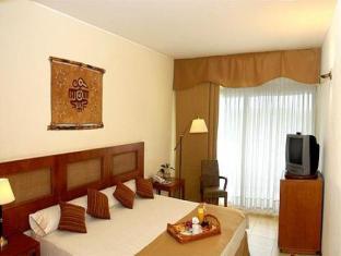 Hotel Raices Esturion4