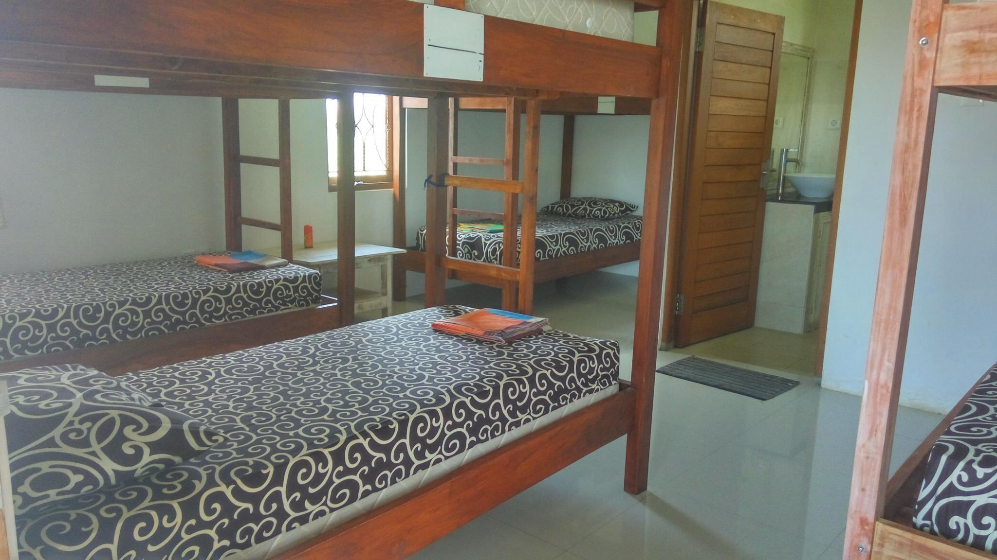 Hotel Berawa Beach Garden Hostel - Jalan Pantai Berawa Gang Hiu No 1 - Bali