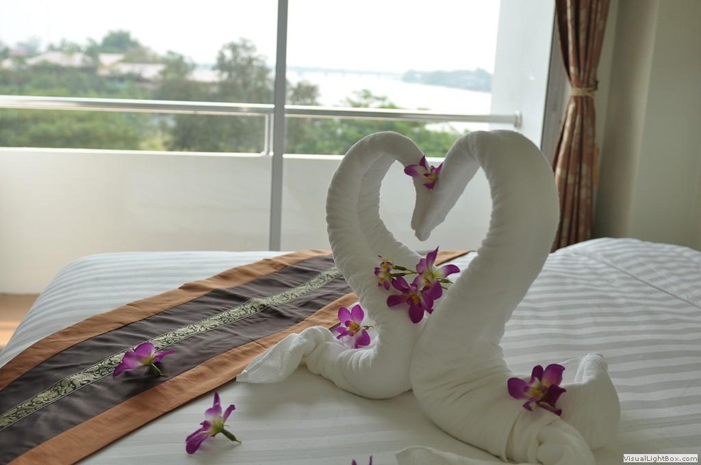 โรงแรมเจ้าพระยาธารา ริเวอร์ไซด์