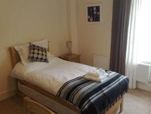 Lamb Inn Frome - Guest Room