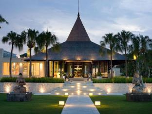 The Royal Santrian Luxury Beach Villas