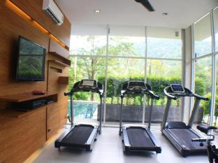 The Trees Club Resort Phuket - Fitnessraum