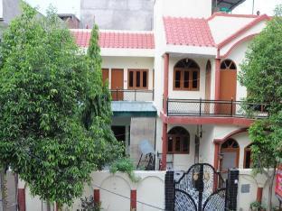 Shreenu Home Stay Агра