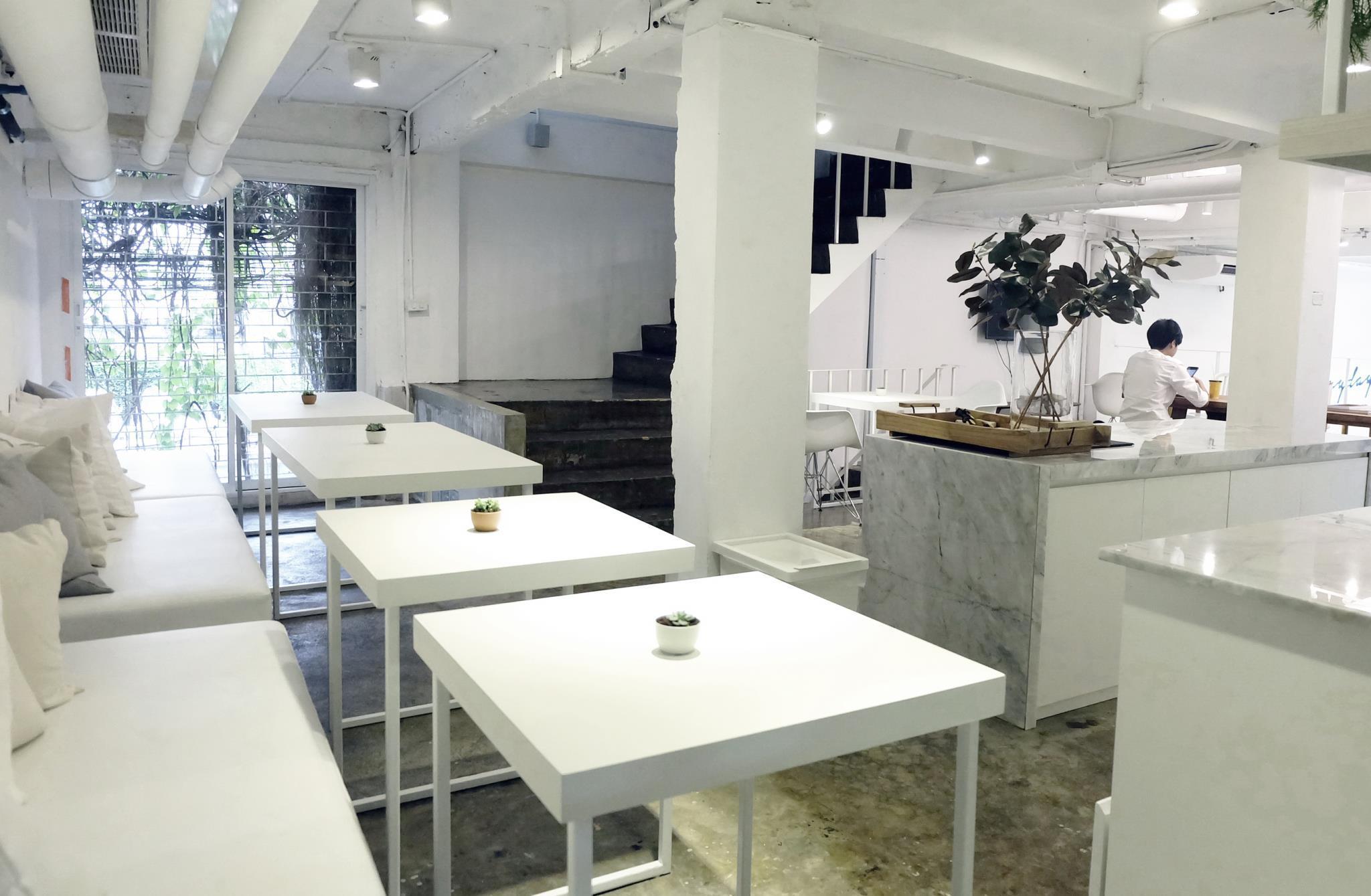 Everyday Sunday Social Hostel,เอฟเวอรี ซันเดย์ โซเชียล โฮสเทล