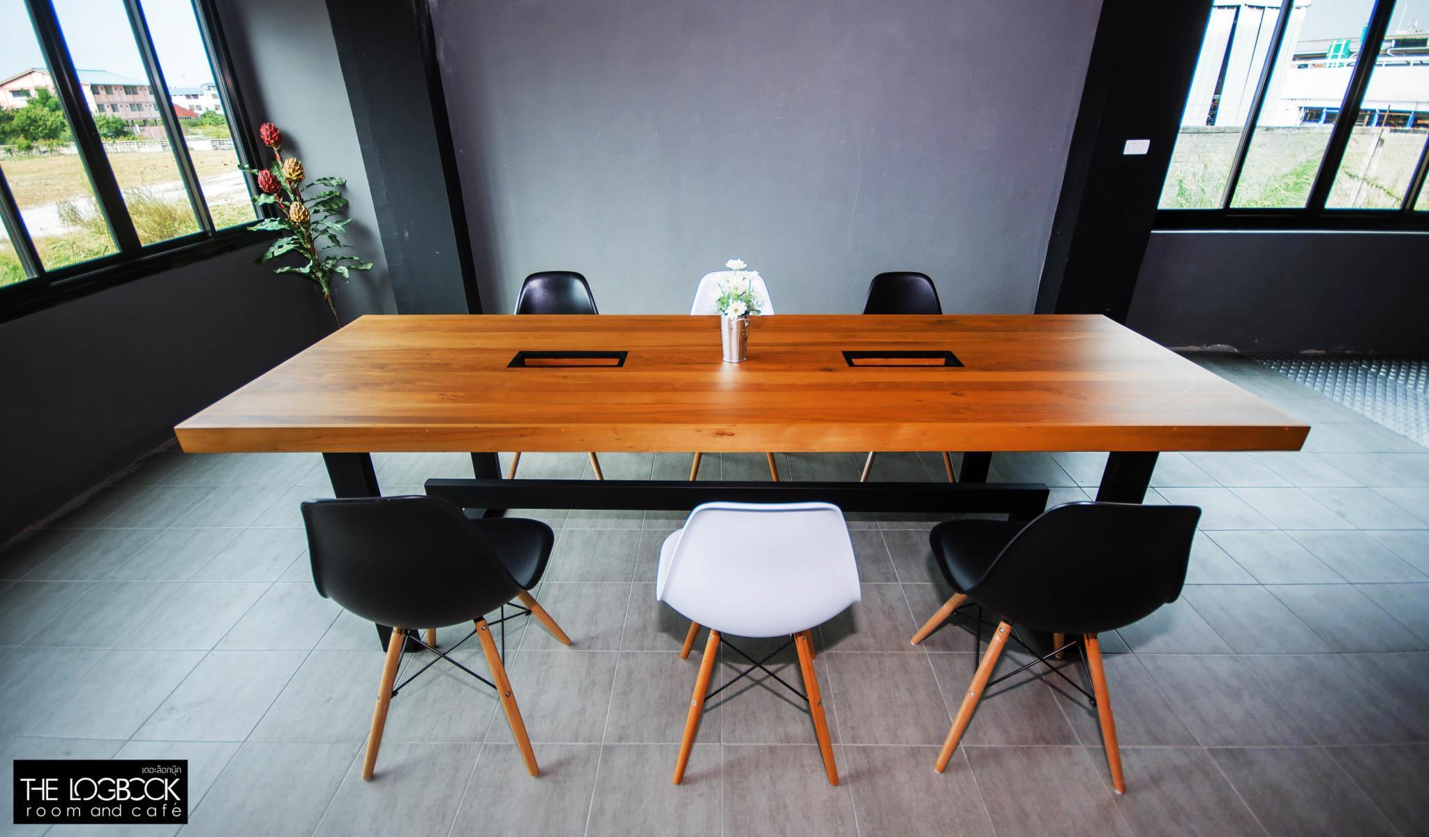 The LogBook room and cafe',เดอะ ล็อกบุ๊ค รูม แอนด์ คาเฟ่