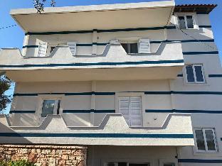 Zakomera Apartments