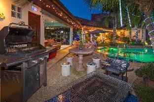 %name Luxury Holiday Villa พัทยา
