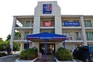 Motel 6-Linthicum Heights MD - BWI Airport
