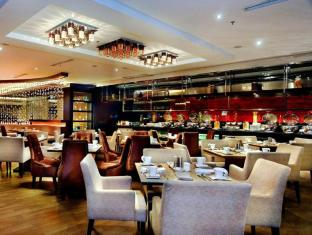 Grand Aston City Hall Hotel & Serviced Residences Medan - Spoon Dining