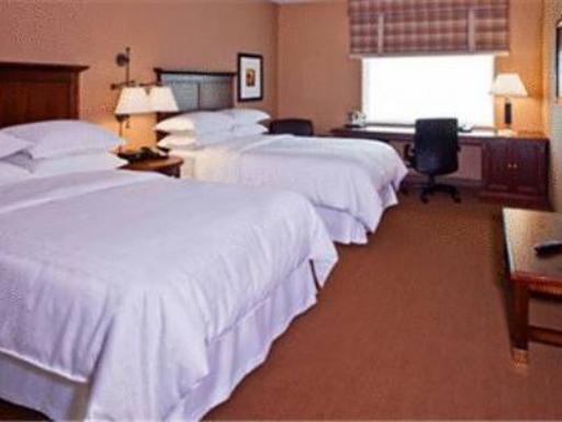 Sheraton Herndon Dulles Airport Hotel hotel accepts paypal in Herndon (VA)
