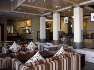 The Peninsula All Suite Hotel Kapstaden - Pub/lounge