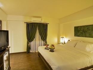 Anoma Boutique House guestroom junior suite