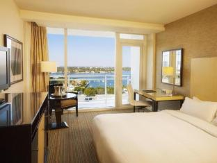 Best guest rating in Fort Lauderdale (FL) ➦ Bahia Mar Fort Lauderdale Beach a DoubleTree by Hilton Hotel takes PayPal