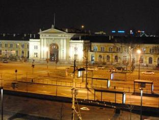 Best guest rating in Belgrade ➦ Hotel 88 Rooms takes PayPal