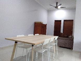 Cosy homestay suitable for up to 8 people