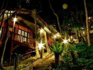 Maney Resort Koh Phi Phi - Hotel Exterior Night View