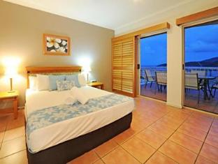 At Boathaven Spa Resort Whitsunday Islands - Penthouse Master Bedroom