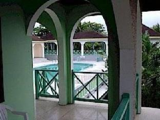 booking.com Pure Garden Resort