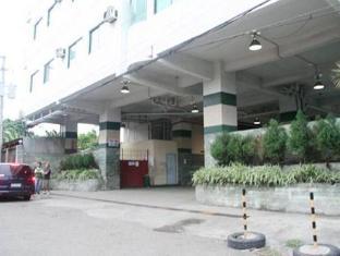 Metro Park Hotel Себу - Фасада на хотела