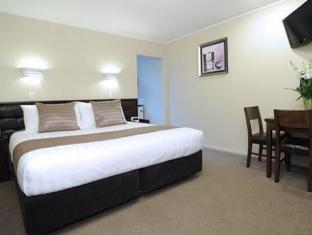 Tudor Court Motor Lodge Hotel Auckland - Deluxe King Studio with Kitchen