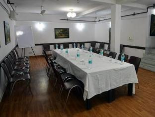 Chalet Hotel New Delhi and NCR - Meeting Room