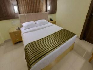 Sandalwood Hotel & Retreat North Goa - 1 Bedroom Suite
