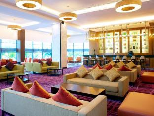 Four Points By Sheraton Kuching Hotel Кучинг - Лобби