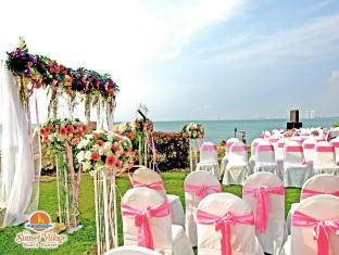 Sunset Village Beach Resort Pattaya - Wedding Ceremony