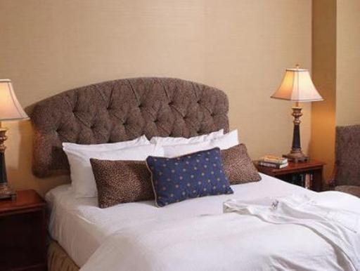 ➦  Hilton Worldwide    (New York) customer rating
