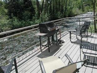 Chateau Roaring Fork and Chateau Eau Claire by Frias Aspen (CO) - Deck