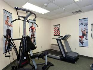 Country Inn & Suites by Carlson Cedar Rapids Airport Cedar Rapids (IA) - Fitness Room
