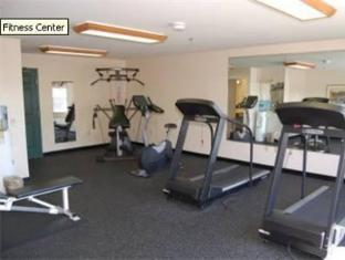 Country Inn and Suites Dubuque Dubuque (IA) - Fitness Room
