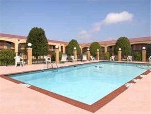 Howard Johnson Inn Newnan GA Newnan (GA) - Swimming Pool