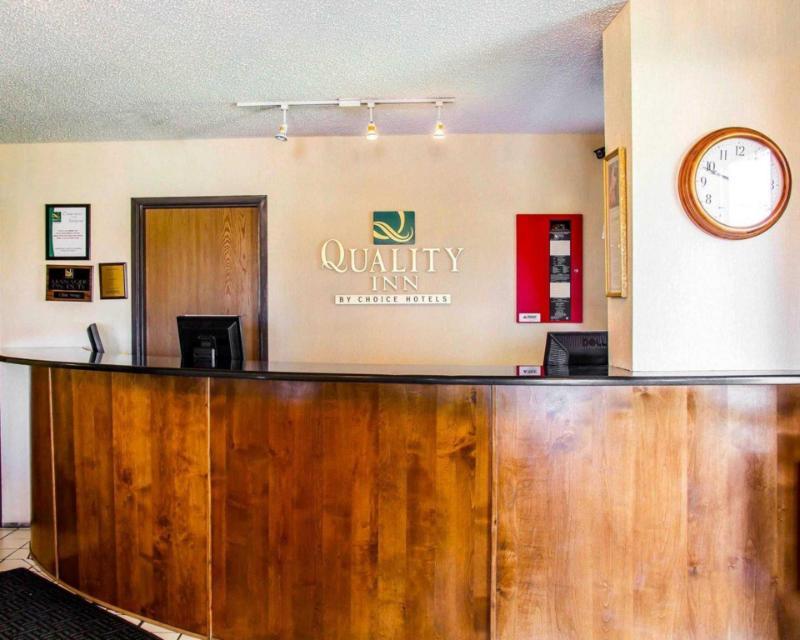 Econo Lodge - Longmont, CO 80504