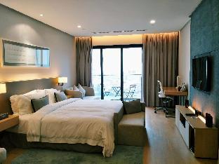 188 Suites @ Garden Studio By JNE