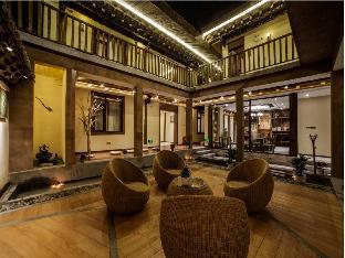 Blossom Dynasty Inn