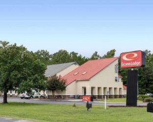 Econo Lodge Inn and Suites Carrollton Smithfield