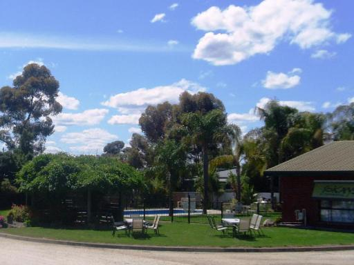 Best guest rating in Corowa ➦ Motel Meneres takes PayPal
