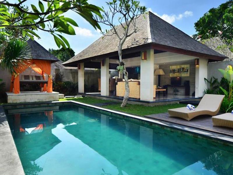The Khayangan Dreams Villa Umalas