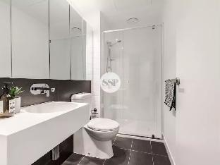 Level 42 Premium 1 Bedroom Near Southern Cross with Wifi best deal