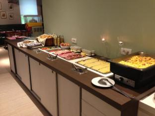 Hotel Cryston Vienna - Food and Beverages