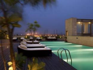 Crowne Plaza Hotel New Delhi Okhla New Delhi and NCR - Swimming Pool