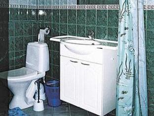 มิเลน่าอพาร์ทเมนต์ พาร์นู - ห้องน้ำ