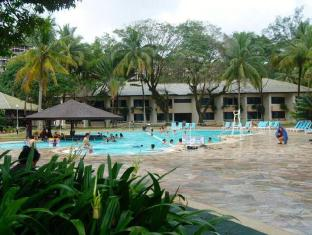 Damai Beach Resort Kuching - Swimming Pool