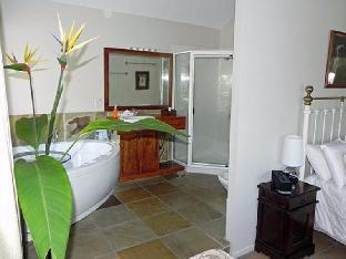 Airlie Waterfront Bed and Breakfast2