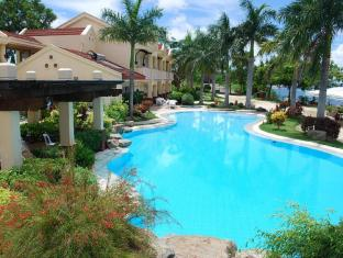 Vista Mar Beach Resort & Country Club Cebu - Kolam renang