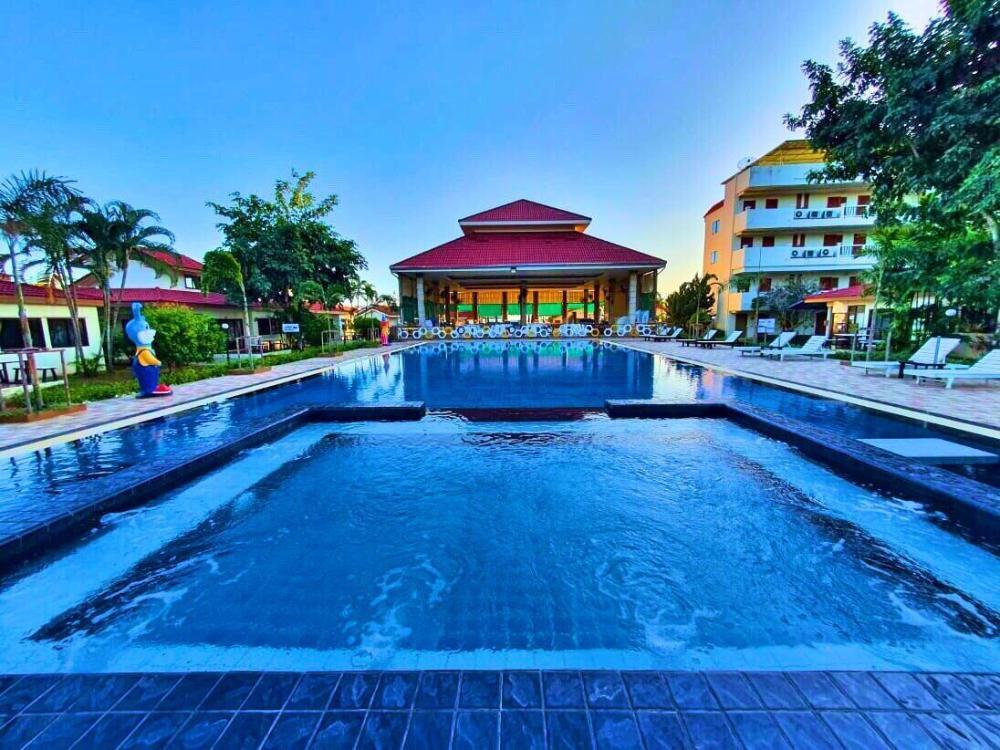 New Travel Beach Resort