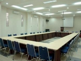 Palace Inn Medan - Meeting Room
