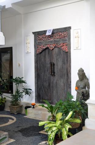 Jl. Laviana Banyualit, Kalibukbuk