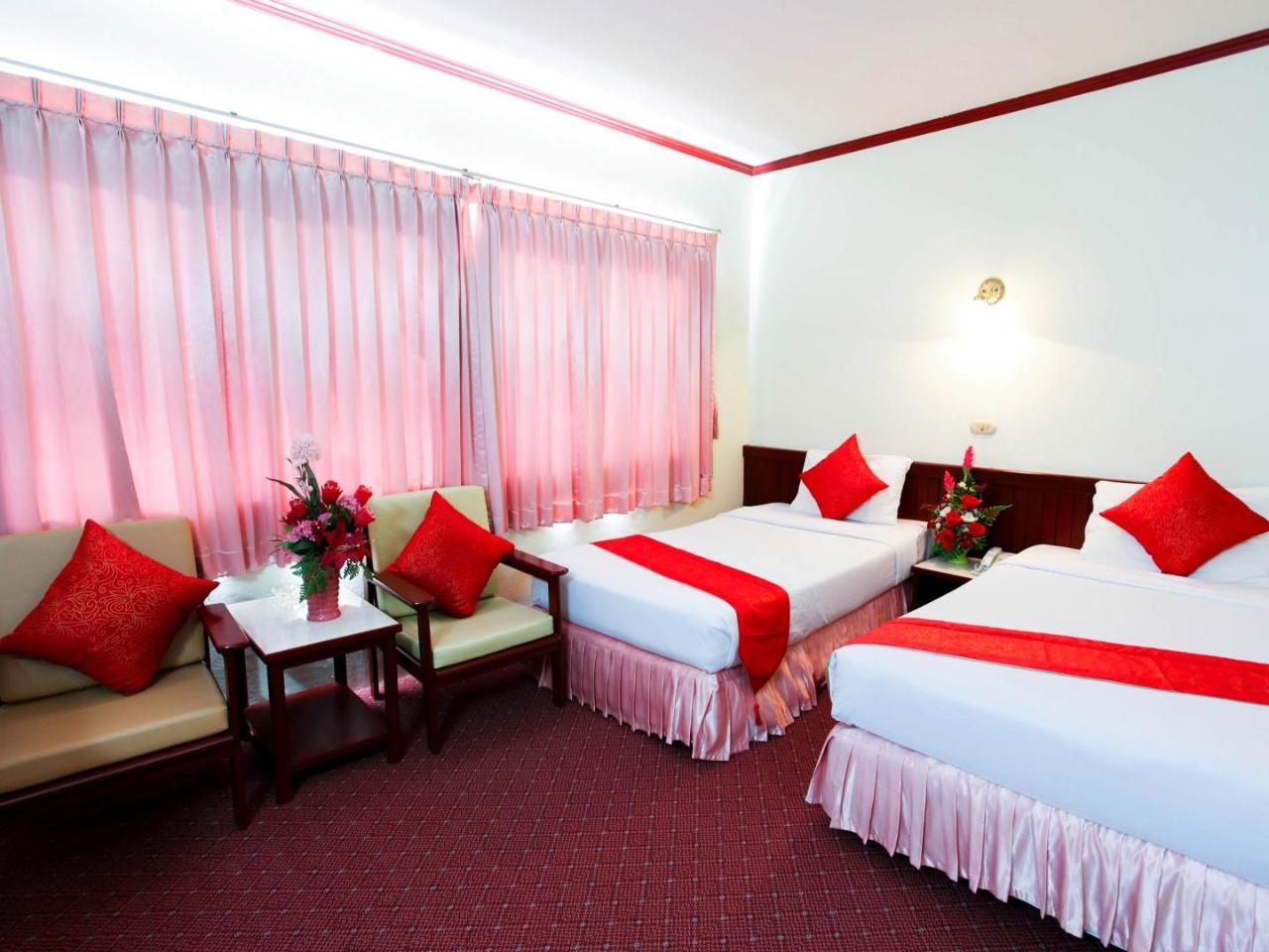 โรงแรมชุมพร พาเลซ (Chumphon Palace Hotel)